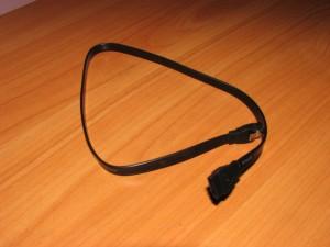 кабель SATA